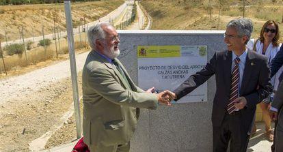 El ministro de Agricultura, Miguel Arias Cañete, el sábado en Utrera.