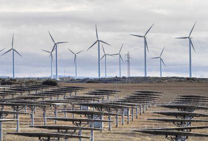 Planta solar y eólica en Albacete
