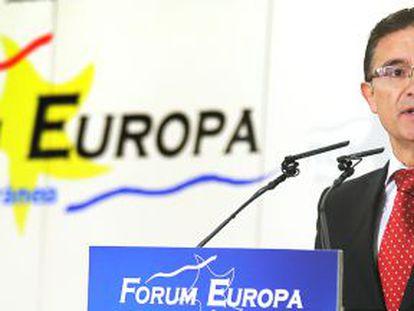 El delegado del Gobierno en la Comunidad Valenciana, Serafín Castellano, en la conferencia pronunciada hoy en el Forum Europa.