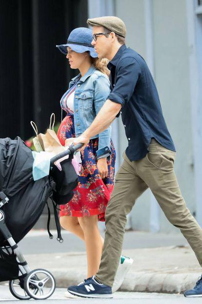 Blake Lively, Ryan Reynolds y sus hijas en Nueva York.