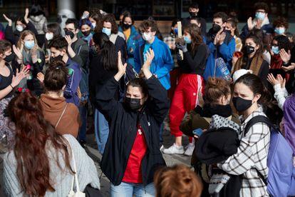 Manifestación de alumnos y profesionales contra los abusos en el Institut del Teatre.