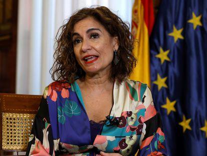 La ministra de Hacienda y Función Pública, María Jesús Montero, durante una entrevista con Efe este jueves.