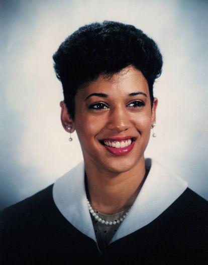 Harris en su graduación en la Universidad de Howard, en 1986.