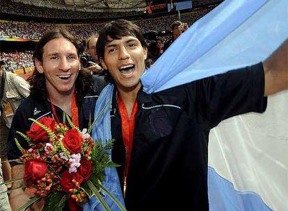 Messi y Agüero, tras ganar el Oro en Pekín.
