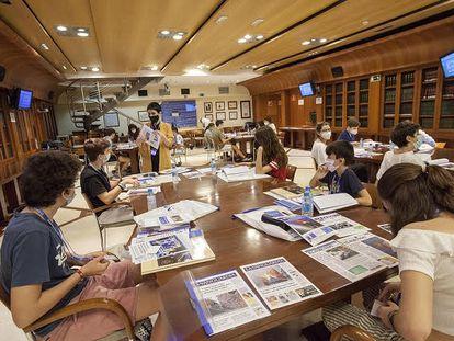 """Jornadas de Talleres Fundación """"La Caixa""""-APM de Fomento de Lectura de Prensa en la Escuela realizadas el pasado mes de junio en la sede de la Asociación de la Prensa de Madrid."""