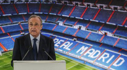 El presidente del Real Madrid, Florentino Perez, en un acto en el palco del Bernabéu