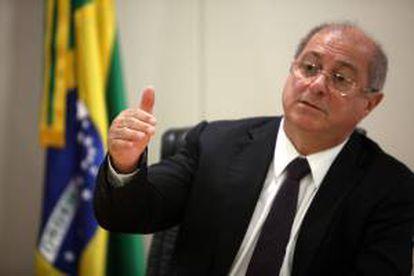 En la imagen, el ministro de Comunicaciones de Brasil, Paulo Bernardo Silva. EFE/Archivo