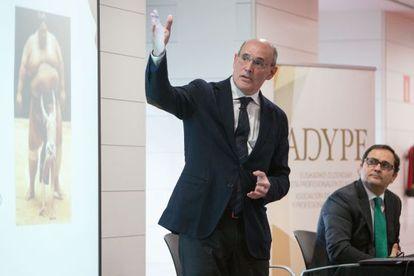 Rafael Bengoa, durante su intervención en el desayuno informativo de ADYPE.