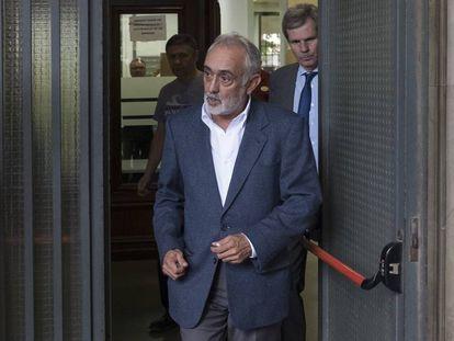 El exdirector de la extinta Fundación Andaluza Fondo Formación y Empleo (Faffe), Fernando Villén, a su salida del juzgado de Sevilla el pasado día 29 de septiembre.