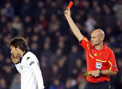 El centrocampista canario del Valencia, en el momento de su expulsión