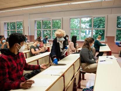 Prueba de acceso a la Universidad para mayores de 25 y 45 años en la Universidad del País Vasco el 12 de junio.