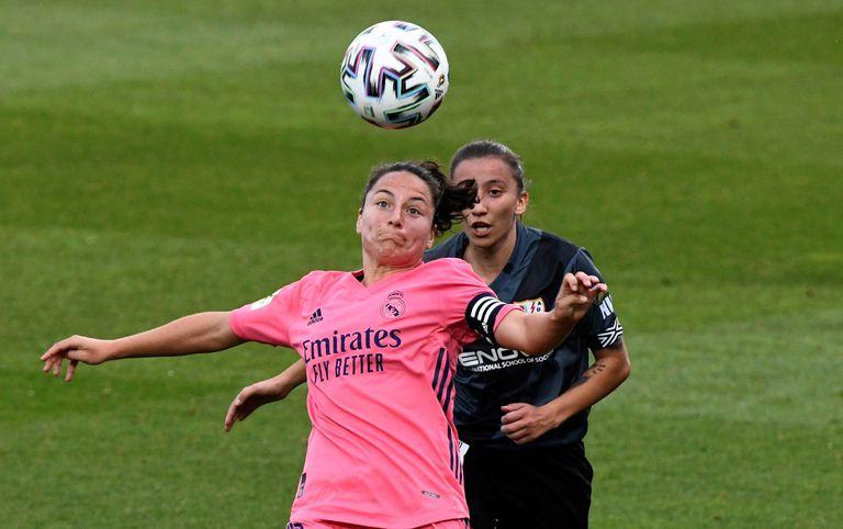 Ivana y Sheila, durante un partido reciente entre el Real Madrid y el Rayo de la Liga Iberdrola.