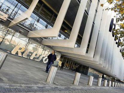 Fachada de la sede de Repsol en Méndez Álvaro, 44, de Madrid.