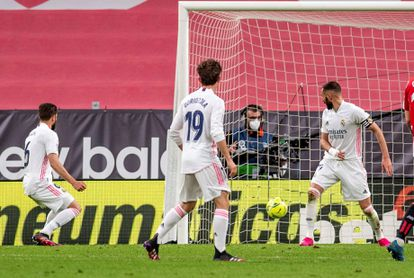 Nacho finishes in the action of the Real Madrid goal.