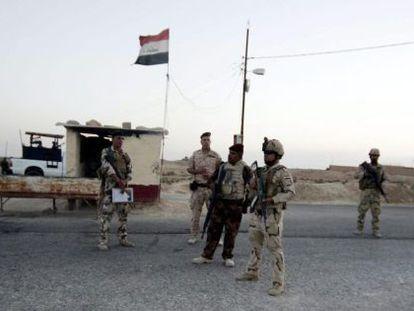 Soldados iraquíes en Arar, cerca de la frontera con Arabia Saudí.
