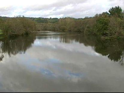 Un vertido de gasoil sobre el río Miño deja a Lugo sin agua potable