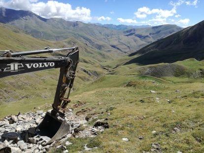 Trabajos para ampliar la estación de Cerler en el valle de Castanesa. / PLATAFORMA EN DEFENSA DE LOS MONTES DE ARAGÓN
