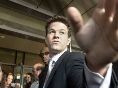 FOTO: Mark Wahlberg durante la presentación en Boston (EEUU) de 'El planeta de los simios' en julio de 2001. / VÍDEO: Un fragmento de la película.