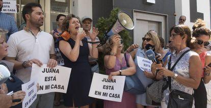 Acto en defensa de Juana Rivas en Macarena, Granada