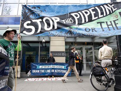 Una protesta en contra del oleoducto que conectaría Alberta y Nebraska, en mayo de 2017.