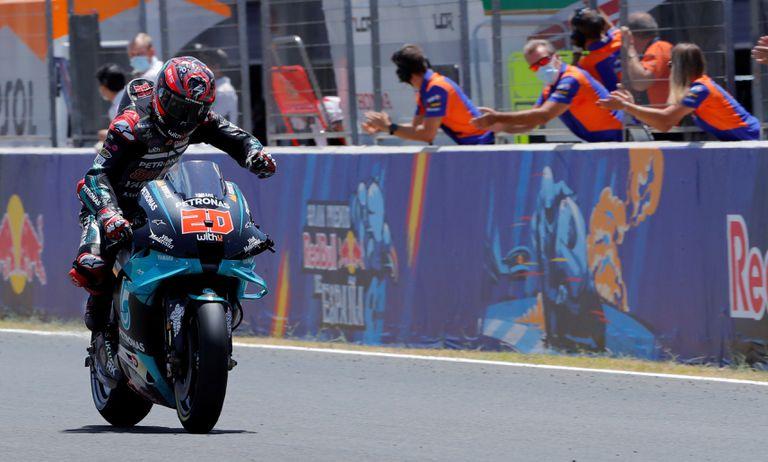Fabio Quartararo celebra su victoria en el GP de España.