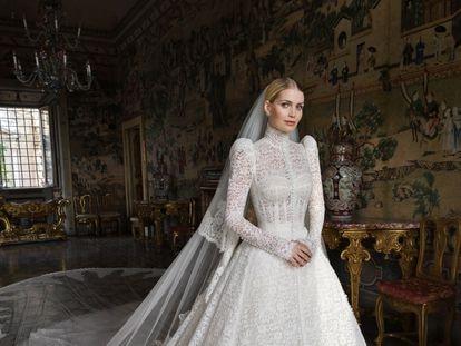 Lady Kitty Spencer, con su vestido de novia, creado por Dolce&Gabbana, para su enlace celebrado el 24 de julio de 2021 en Roma.