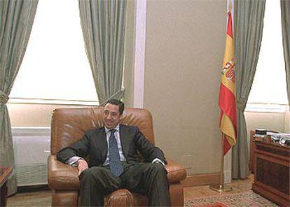 Eduardo Zaplana, ayer, en su despacho del Ministerio de la Presidencia.