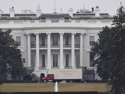 Un camión de mudanza en la Casa Blanca
