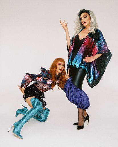Ana Locking viste de Ana Locking. Supremme de Luxe luce vestidos It-Spain y zapatos Franjul.