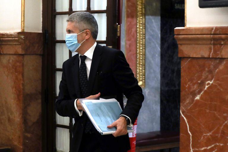 El ministro del Interior, Fernando Grande-Marlaska, a su salida del pleno del Congreso que votó el pasado miércoles la última prórroga del estado de alarma.