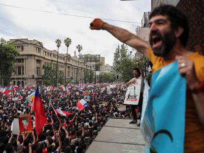 La manifestación de este viernes, en Santiago de Chile. En vídeo, imágenes de la protesta.