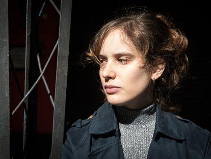 La escritora argentina Camila Fabbri, en Buenos Aires en junio de 2021.