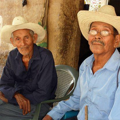 Federico Ramos, de 86 años (a la izquierda), y Manuel Gudiel, de 85.
