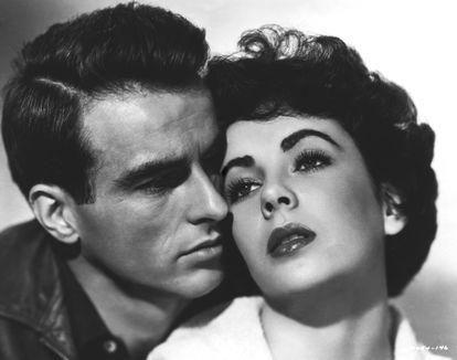 Elizabeth Taylor y Montgomery Clift, retratados en una imagen promocional de 'Un lugar en el sol', tuvieron una de las amistades más profundas y legendarias de Hollywood.