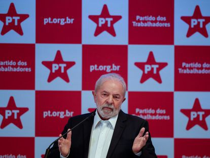 Lula da Silva, durante una conferencia de prensa, este viernes en Brasilia.
