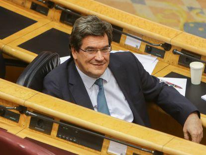 El ministro de Seguridad Social, Inclusión y Migraciones, José Luis Escrivá, durante la sesión de control al Gobierno en el Senado.