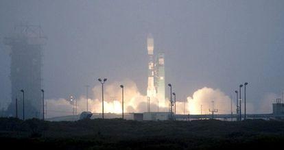 Un cohete Delta II ha lanzado al espacio el satélite <i>Aquarius/SAC-D</i> desde la base de Vandenberg, en California