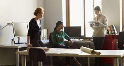 De cada mil europeas licenciadas, 29 tienen un título en TIC.