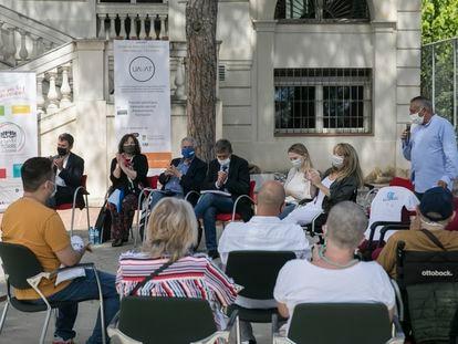 Reunión de víctimas de los atentados del 17-A con la entidad UAVAT y el equipo jurídico de Asociación 11-M  que les representó en el juicio.