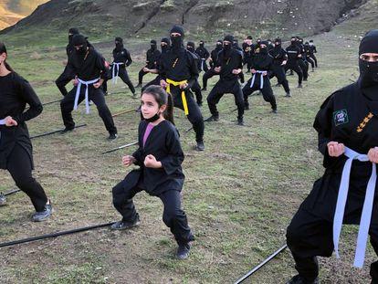 Entrenamiento del grupo Soran Ninja Team, en el Kurdistán iraquí.