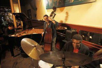 Albert Sanz, Javier Colina y Al Foster en el Café Central de Madrid