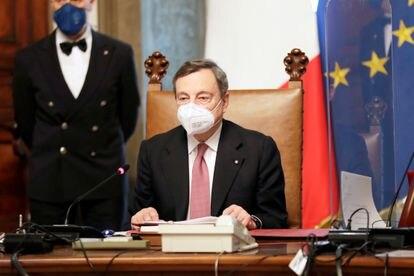 El primer ministro de Italia, Mario Draghi, en su primer consejo de ministros, este sábado, en Roma.