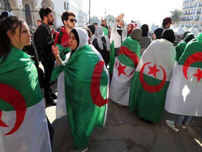 Protesta de estudiantes argelinos contra Bouteflika.