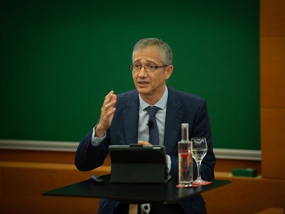 El gobernador del Banco de España, Pablo Hernández de Cos, este viernes en Barcelona.