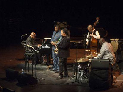 El quinteto liderado por el pianista Kenny Barron, en el Jazzaldia, en San Sebastián, en 2018.