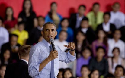 El presidente Obama defendió desde Myanmar, donde se encuentra de visita oficial, que cumpliría su promesa de actuar por decreto.