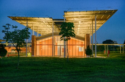 Hospital en Uganda, África, uno de los seis hospitales en los que Renzo Piano está colaborando.