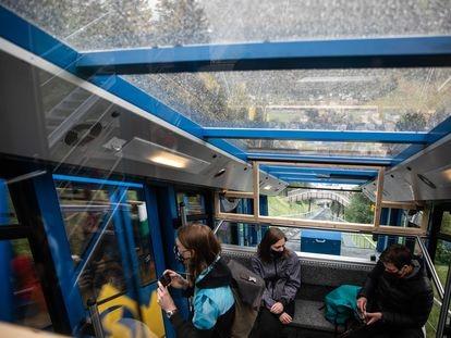 El funicular es el único medio para llegar al hotel Schatzalp, en Davos, que pudo inspirar el sanatorio de 'La montaña mágica' de Thomas Mann.