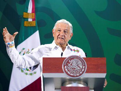Andrés Manuel López Obrador, durante una rueda de prensa en Veracruz este martes.