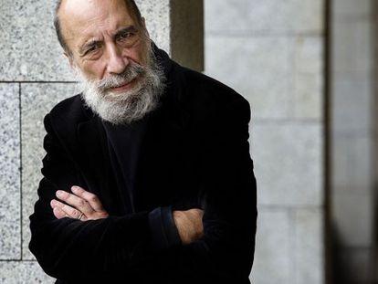 El poeta chileno Raúl Zurita, retratado en Alicante.